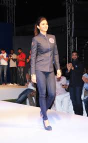 Shilpa Shetty walks the ramp during Rajasthan Royals official fan wear launch