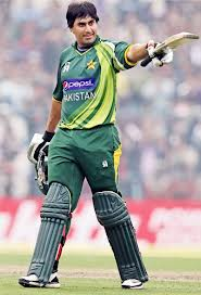 Nasir Jamshed scored 50 runs after top order thrash