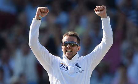 Swann spins Australian Batsmen
