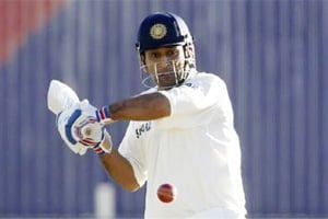 Ind v Eng: Dhoni's defensive captaincy costed India first test