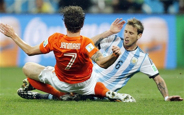 It was a tough duel between Holland and Argentina in the second semifinals of the Fifa World Cup