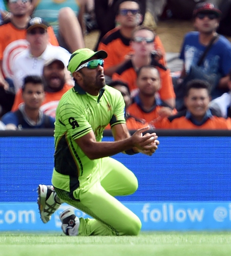 One of the few catches Pakistani fielders held onto. Wahab Riaz catches the ball to dismiss Chris Gayle